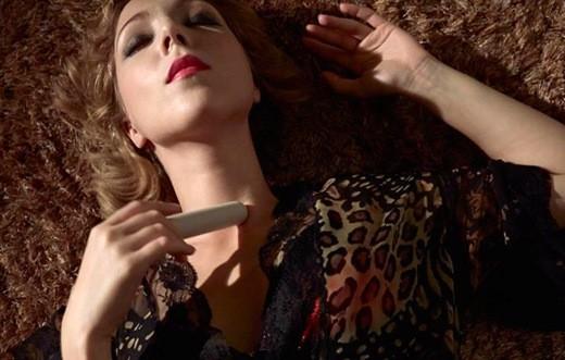 Svakom Gaga内窥之乐:给她看得见的高潮  夏6月 第12张