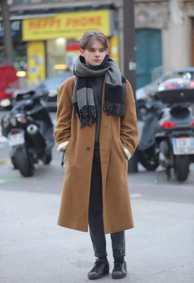 大衣怎么穿才有型?时尚博主们来支招了  秋11月 第14张