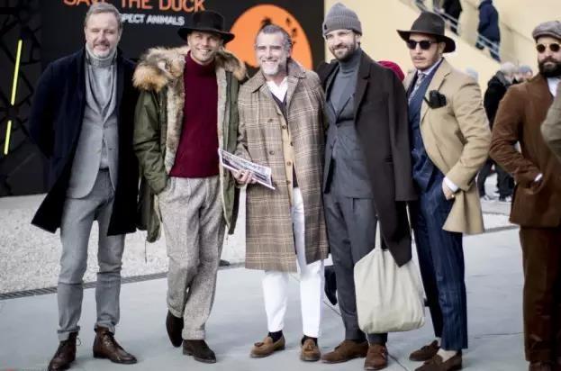 还在用大衣配球鞋?型男们早就开始配短靴了  秋11月 第1张