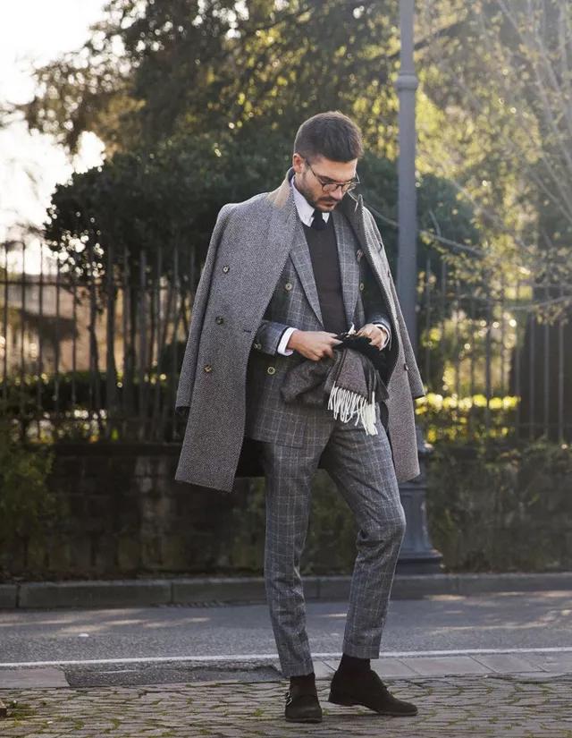 大衣怎么穿才有型?时尚博主们来支招了  秋11月 第5张